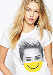 t-shirt,graphic tee,celebrity,style,funny,cool,girl,starmaniac,miley cyrus,smiley