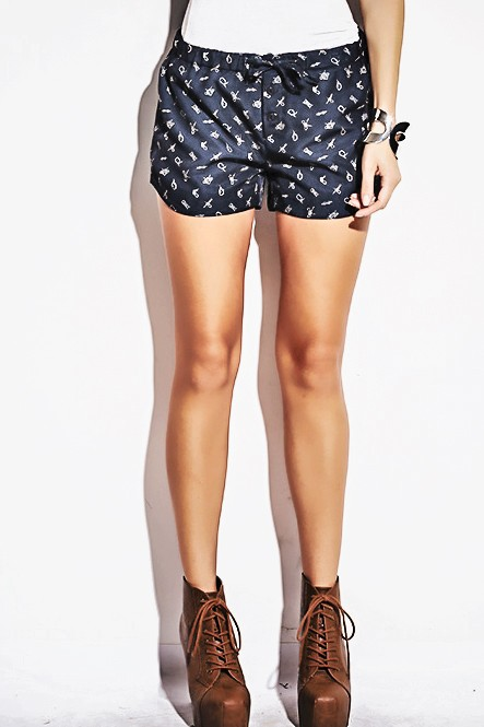 Black nautical knot printed shorts