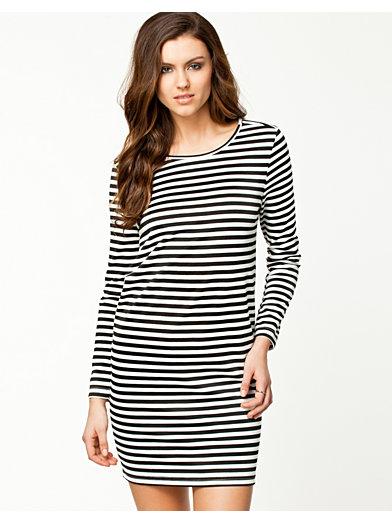 Striped Soft Dress - Notion 1.3 - Sort / Hvid - Kjoler - Tøj - Kvinde - Nelly.com