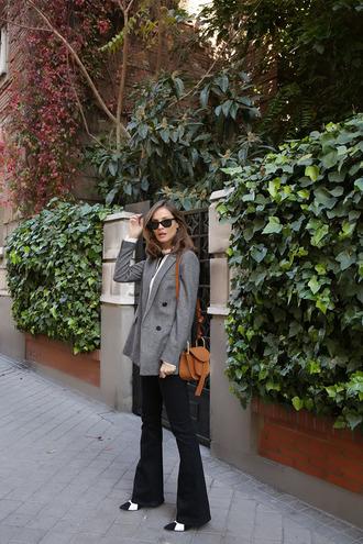 lady addict blogger jacket blouse jeans bag shoes sunglasses jewels grey blazer