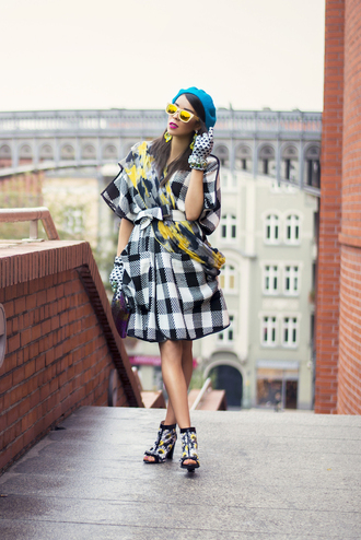coat jewels blogger macademian girl gloves scarf sunglasses beret peep toe boots flannel mirrored sunglasses