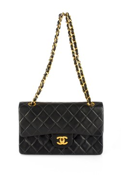 Shop Vintage Luxury Bags > Brand Chanel - What Goes Around Comes Around