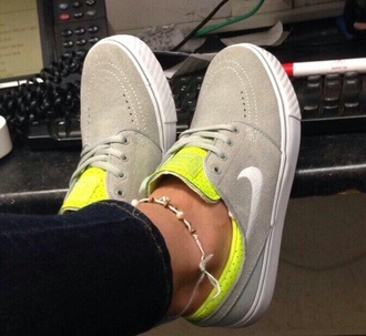 shoes fluo yellow grey beige nike nike sb nike sneakers greyshoes
