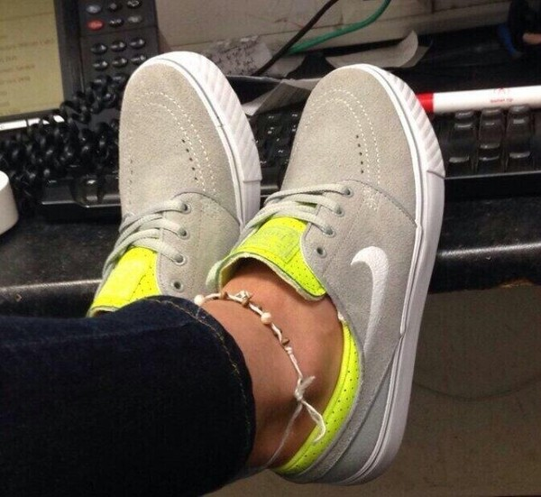 shoes fluo yellow grey beige nike nike sb nike sb nike sb nike sneakers nike sneakers. Black Bedroom Furniture Sets. Home Design Ideas