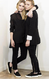 black shoes,ashley olsen,mary kate olsen,olsen sisters,vans,blazer,shoes