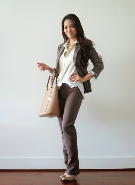 sensible stylista blogger office outfits jacket pants bag jewels top shoes