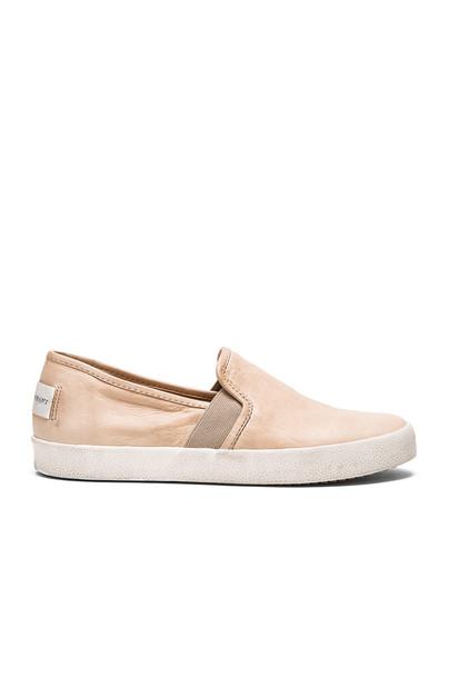 Frye Dylan Slip On Sneaker in beige / beige