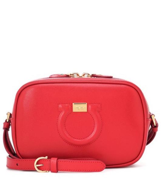 Salvatore Ferragamo City Goncho leather shoulder bag in red