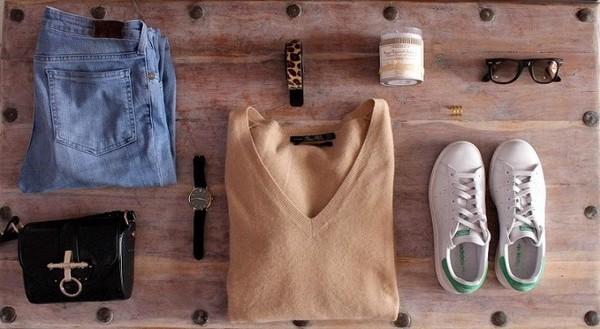 mafalda jeans belt sunglasses jewels bag sweater shoes
