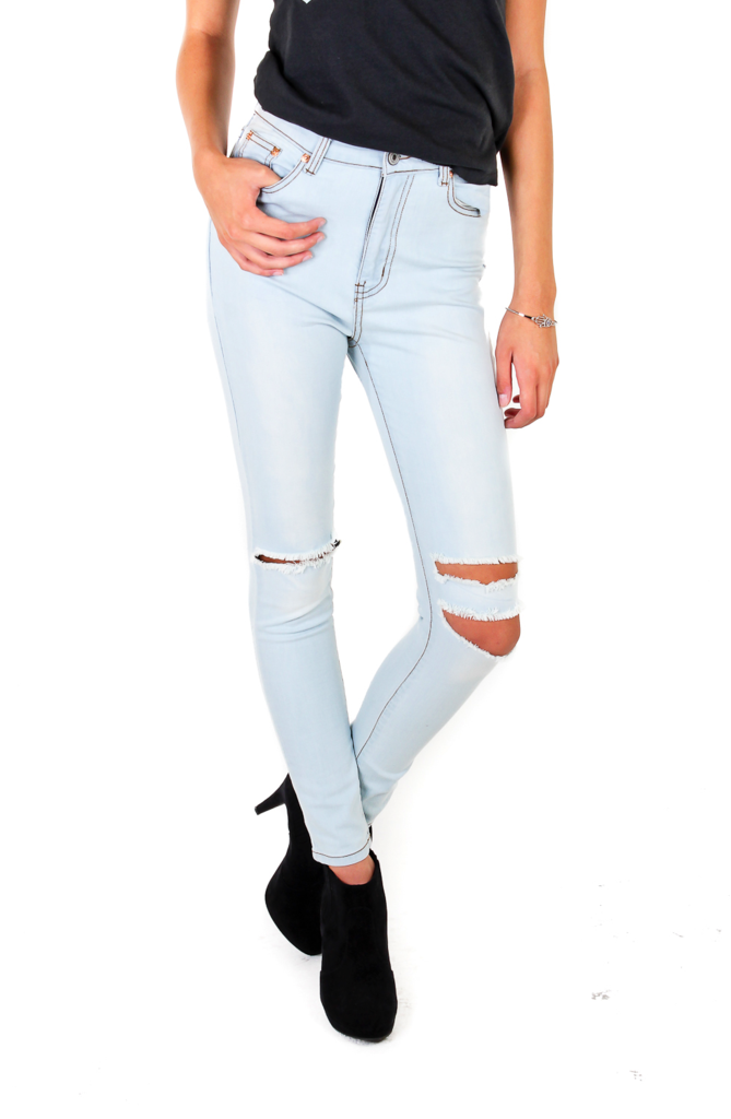 Light Wash Jeans With Cut Out Knee – N Y C T