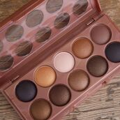 make-up,brown,eye shadow,natural makeup look,light brown,smokey eyes,makeup palette
