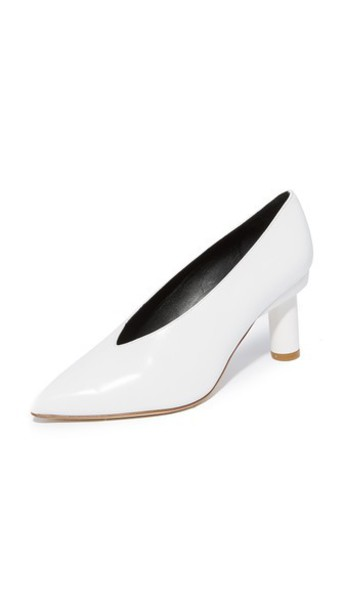 pumps white bright shoes