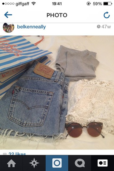levi's jeans top sunglasses high waisted ripped loose tanned bits hanging off light blue light