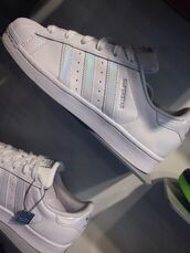 shoes,adidas superstars,white,argent,dope,cute,good,adidas,adidas supercolor,adidas shoes,adidas originals,holographic,holographic shoes,white shoes,tumblr,tumblr shoes,adidas holographic