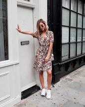 dress,floral dress,v neck,midi dress,white sneakers,shoulder bag,aviator sunglasses