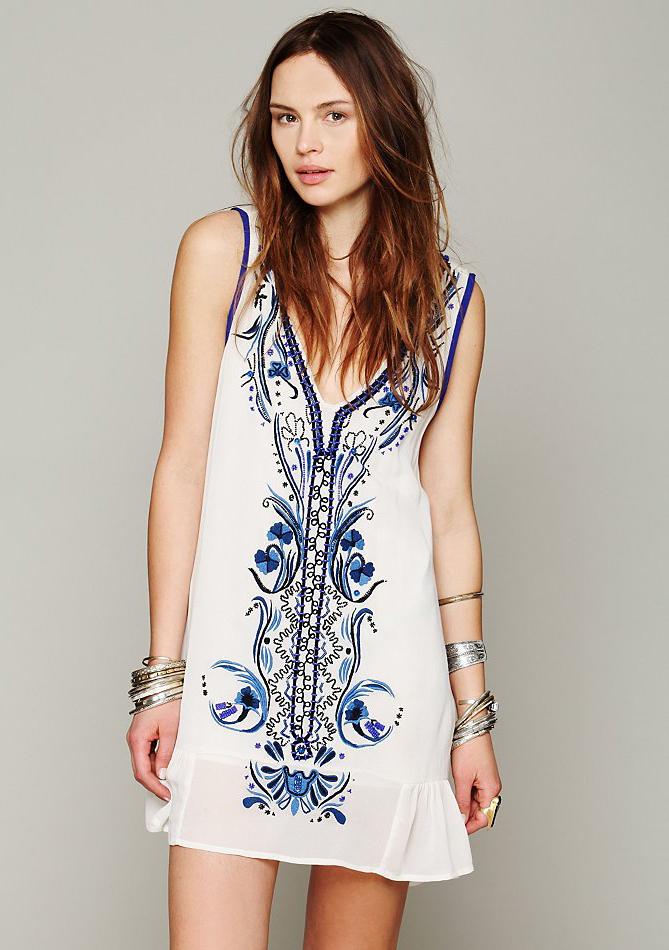 496f394b56d9a Beige V Neck Sleeveless Embroidered Bead Dress -SheIn(Sheinside)