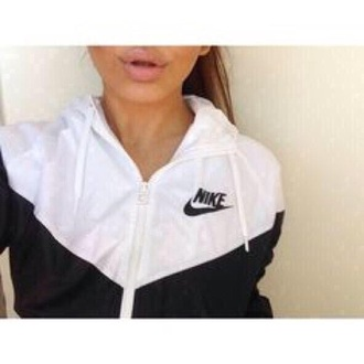 jacket nike gym black white nikewomen nike zip up nike windbreaker windbreaker nike jacket white jacket black jacket coat nike sportswear