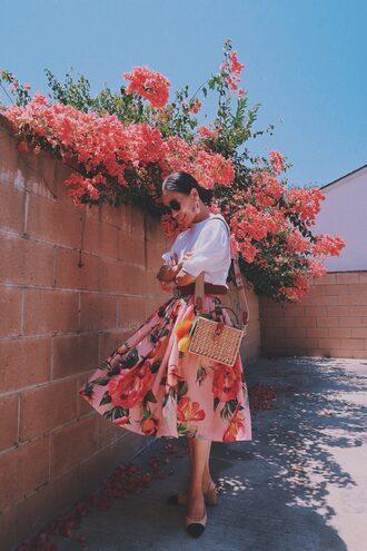 skirt rose printed skirt midi skirt baloon sleeves t-shirt clutch summer bag mini bag chanel chanel pumps sunglasses blogger blogger style