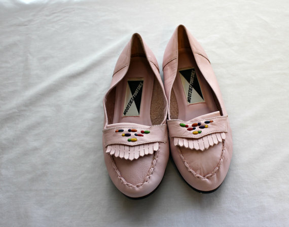 Vintage / light pink moccasins / beaded / real leather