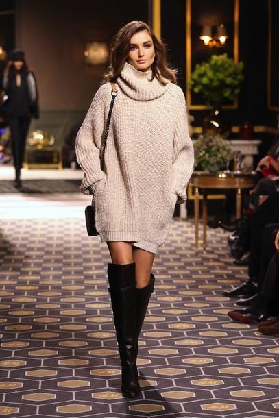 le fashion blogger sweater bag