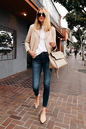 fashionjackson,blogger,jacket,t-shirt,jeans,sunglasses,bag,sweater,shoes,beige jacket,skinny jeans,handbag