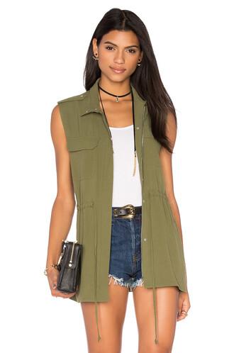 vest green