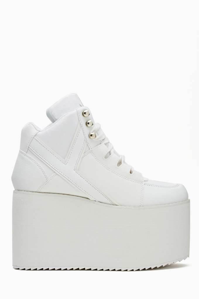 Alliance Platform Sneaker - White at Nasty Gal