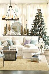 home accessory,christmas home decor,christmas,home decor,holiday home decor,holiday season,living room,decoration,sofa,pillow