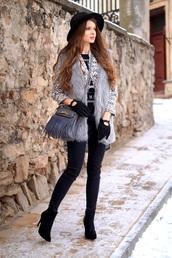 only my fashion style,blogger,faux fur vest,grey fur vest,gloves,bag,grey bag,fringes,fringed bag,denim,black jeans,skinny jeans,black skinny jeans,felt hat,black hat,jacket,printed jacket,boots,ankle boots