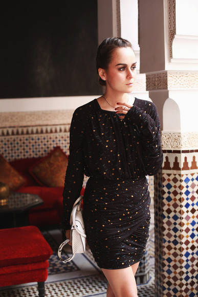 print dress draped satchel bag
