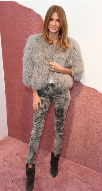 coat fur fur coat millie mackintosh london fashion week 2016 fashion week 2016 grey jeans grey fur jacket