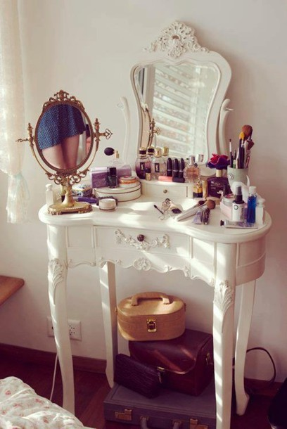 nail polish dressing table make-up home decor vintage decor home furniture home accessory jewels cute bedroom white makeup table mirror makeup table make-up girly vintage vanity mirror