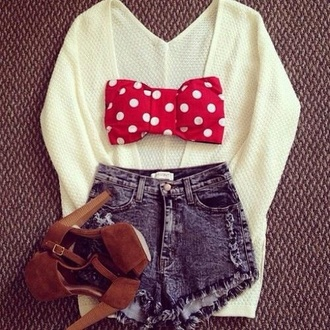 sweater cream white oversized sweater cardigan ribbed cardigan polka dots bows bandeau high waisted shorts shorts acid wash high heels platform shoes tank top shoes red suede shoes minnie mouse long cardigan brown shoes highwaisted denim shorts top knitted sweater swimwear red bralet shirt