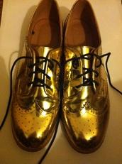 shoes,gold,metallic,brouges,grunge,vintage,shiny shoes