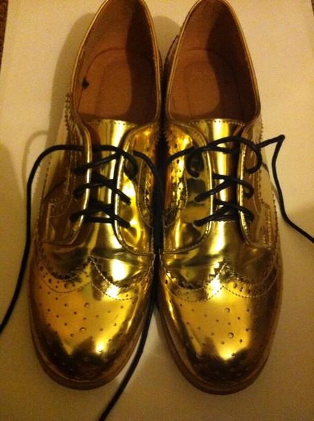 shoes gold metallic brouges grunge vintage shiny shoes