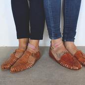 shoes,vintage,flat sandals,leather