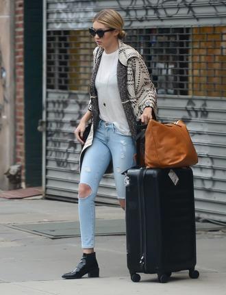 jeans gigi hadid denim ripped jeans fashion style skinny jeans sweater