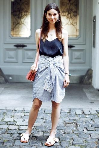 le fashion image blogger tank top bag black top shoulder bag skirt striped skirt flats