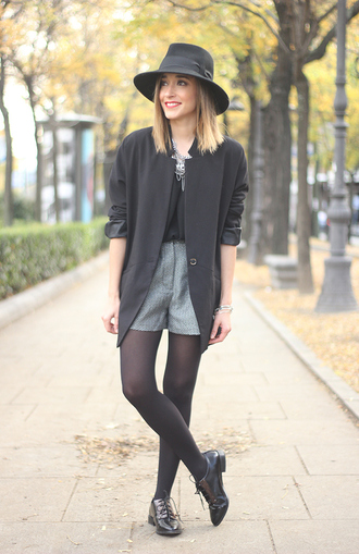 besugarandspice blogger hat shorts blazer oxfords necklace jacket blouse shoes jewels