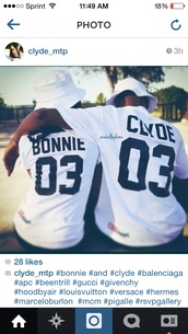 baseball jersey,bonnie and clyde,baseball tee,jersey,crop,jersey tee,t-shirt,top,streetwear,blouse,number,matching couples,white bonnie & clyde couple shirtrts,shirt