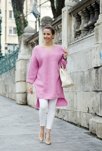let's talk about fashion ! blogger bag nude heels pink sweater knitted sweater long line dress sweater white jeans