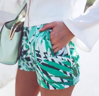 pants shorts summer shorts printed shorts summer fall outfits multicolor green white black green white multi color shorts pockets summer outfits fashion toast fashion vibe fashion tropical california girl beauty lil debbie beach green floral leafy short shorts