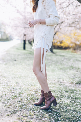 prosecco and plaid blogger shoes white shorts booties white sweater lace up jumper