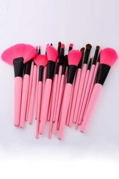 jewels make-up makeup brushes pink girly makeup palette makeup bag make up acessory girly wishlist girly girl girl pink by victorias secret