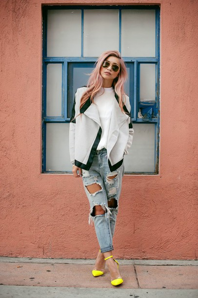 the blvck sheep blogger jacket sandals yellow ripped jeans white top top jeans shoes