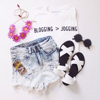 t-shirt phase logo blogging joggers quote on it top phrase white top slogan top t shirt print phrase shirt black and white top blogger slogan tee black writing fashion blogging white tee ivory with black writing