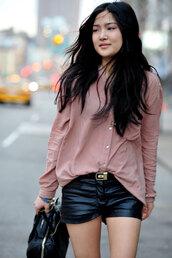shorts,black shorts,blouse,leather shorts,shirt,red shirt,bag,black bag