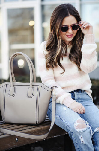 dress corilynn blogger sweater jeans shoes sunglasses bag jewels handbag winter outfits