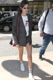 shorts,blazer,bella hadid,sneakers,top,sunglasses,streetstyle,model off-duty