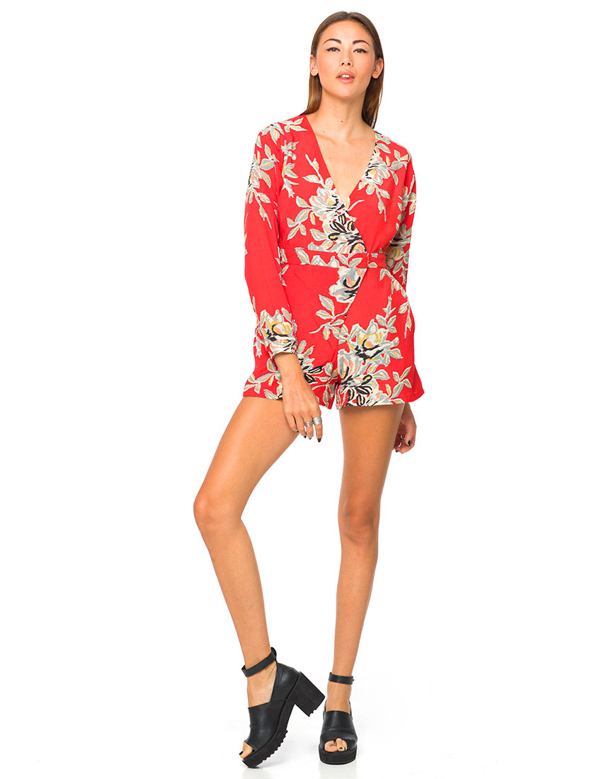 Motel Suri V Neck Playsuit in Blur Flower Red
